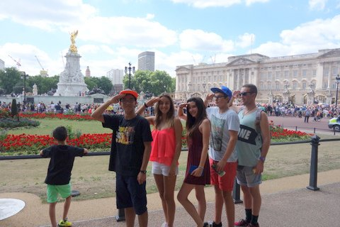 Antler Languages Students at Changing of the Guard at Buckingham Palace